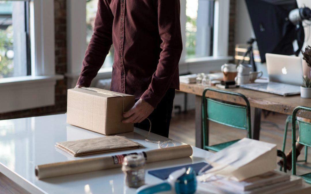 Masz dość wysyłania paczek w swoim sklepie internetowym? Sprawdź usługi logistyczne dla e-commerce